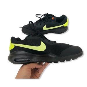 Nike Big Boy Air Max Oketo Sneakers Black Volt 4Y